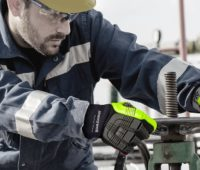 Tips for Avoiding Hand Injuries in Heavy-Duty Industrial Environments